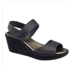 Black Deanna Snake-print Leather Wedge Sandal NWOB